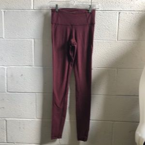Lululemon burgundy full length legging sz 4 61331
